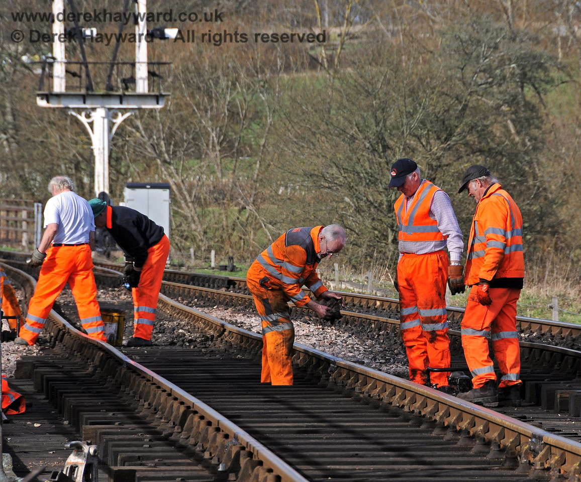 The PWay team working near the River Ouse Bridge.  24.02.2011  5996