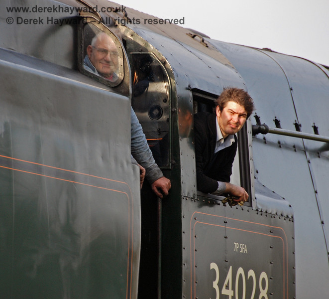 The crew of 34028 Eddystone look out as it nears Three Arch Bridge.  22.12.2007