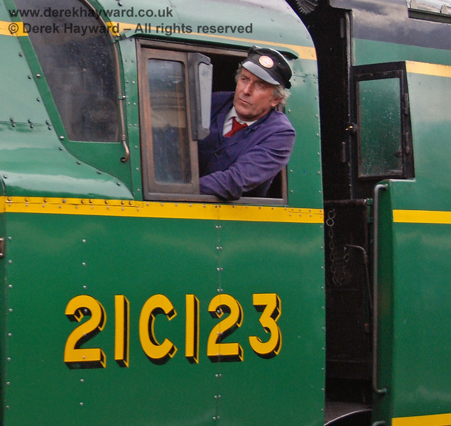 Ian Wright, Shedmaster, watches the road as he leaves Horsted Keynes driving 21C123.  12.08.2007