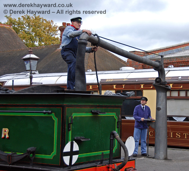 65 taking water at Sheffield Park.  25.10.2008