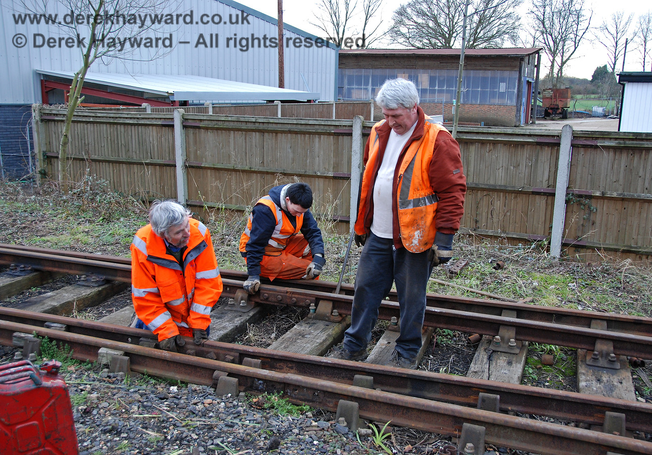 Members of the PWay team remove the Woodpax sidings at Sheffield Park, prior to the construction of the Carriage Shed.  24.01.2010