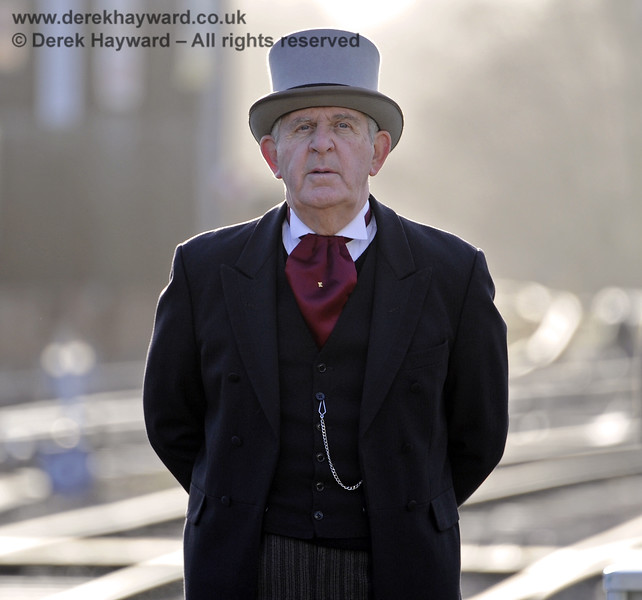 Roger Kelly (Funding Director) in Victorian mode and caught unawares by the long lens at Horsted Keynes.  20.12.2013  8539