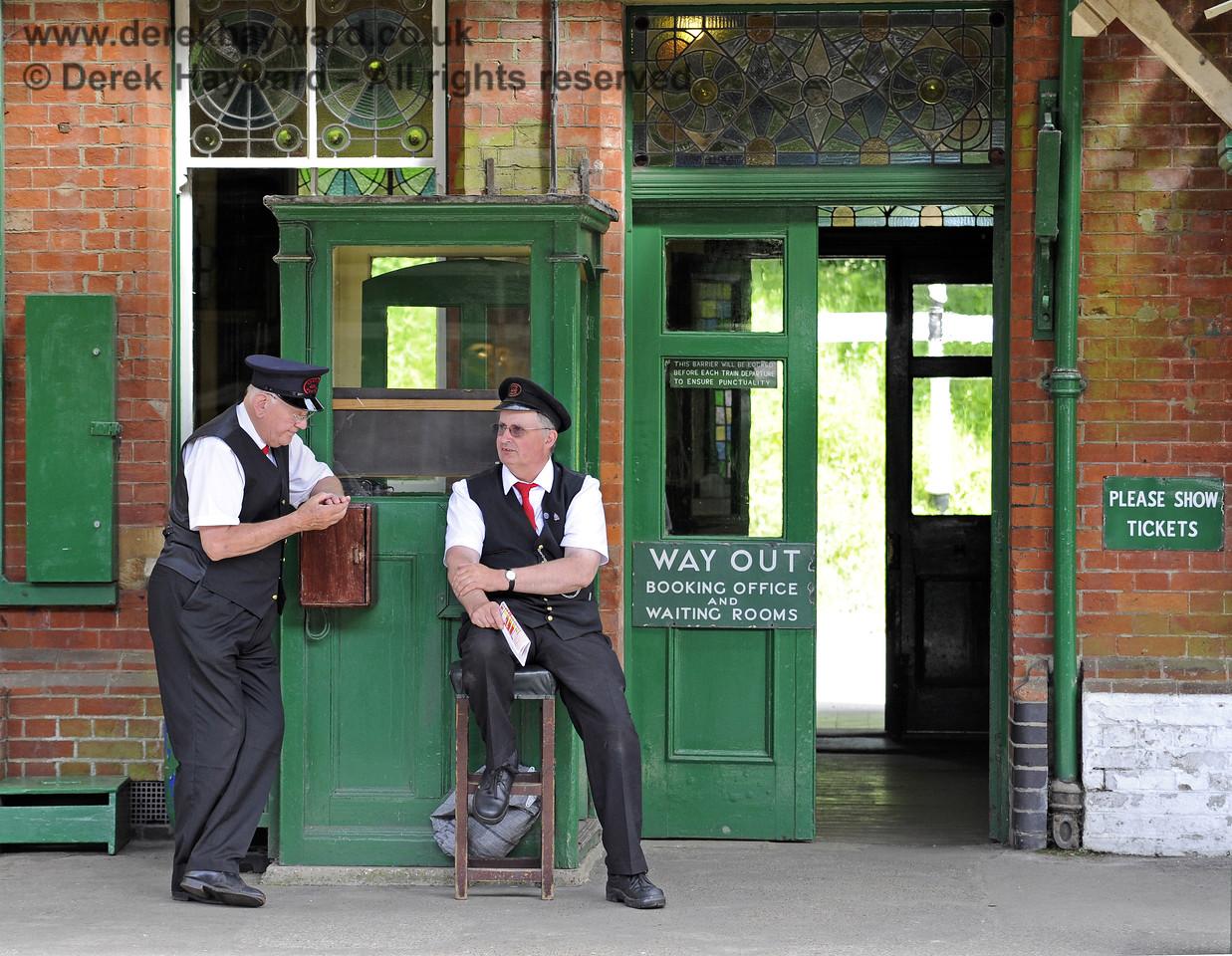 Station staff on duty at Horsted Keynes. 08.06.2014  9562