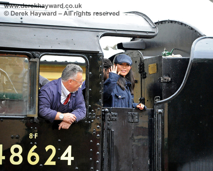 A young lady enjoying herself on the footplate of visiting engine 48624.  29.10.2016 14495