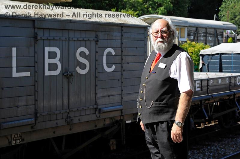 John Hotston reviewing the goods at Kingscote.  22.08.2015 11934