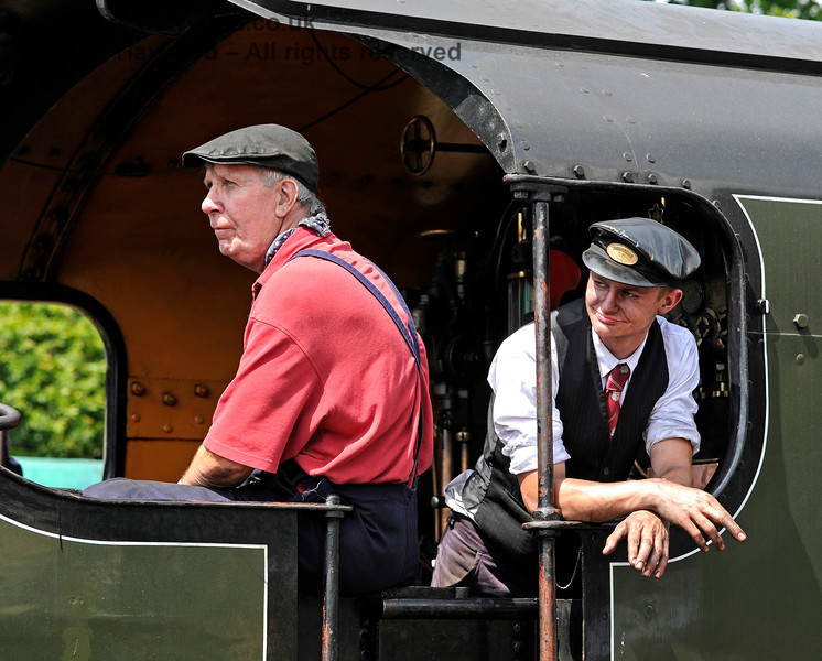 The crew of 847 waiting for the signal at Horsted Keynes. 18.07.2015 11633