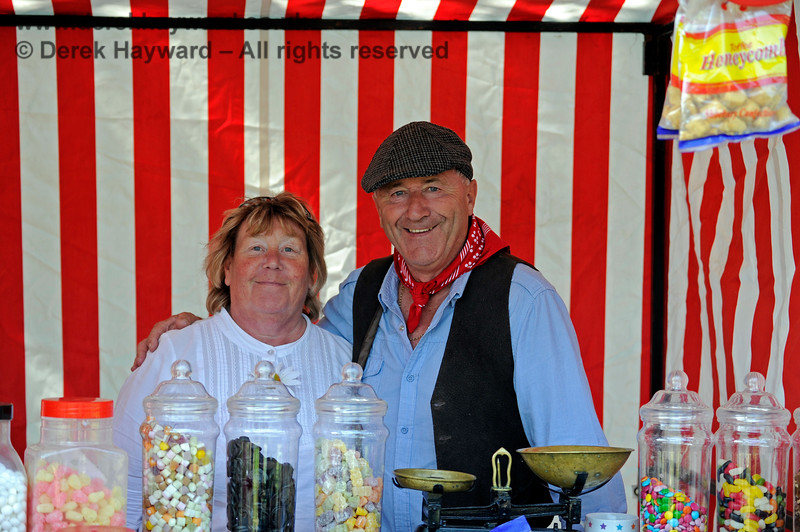 Happy stall holders during an Edwardian Weekend at Horsted Keynes.  18.05.2014 9411