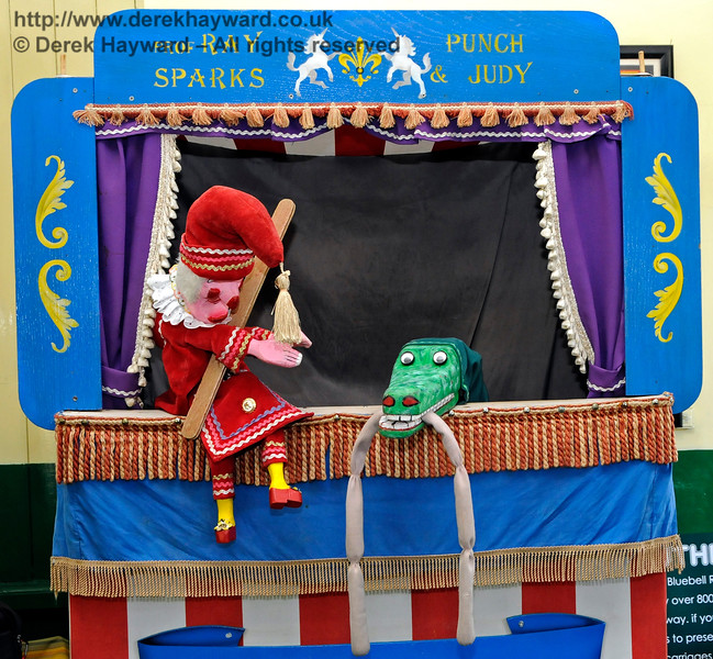 Punch and Judy advertising the railway breakfasts.  I would avoid the sausages - you never know where they have been.  Horsted Keynes 26.08.2016 16280