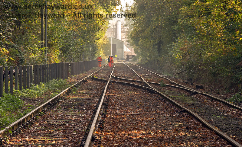 An autumnal view of the approach to the Hanson plant at Ardingly.  I am very grateful to Adrian Backshall for supplying images of the rail operation at Ardingly, and he retains all rights to this image.  I am required to point out that the plant is private property, and that appropriately trained staff are authorised to be about the track.