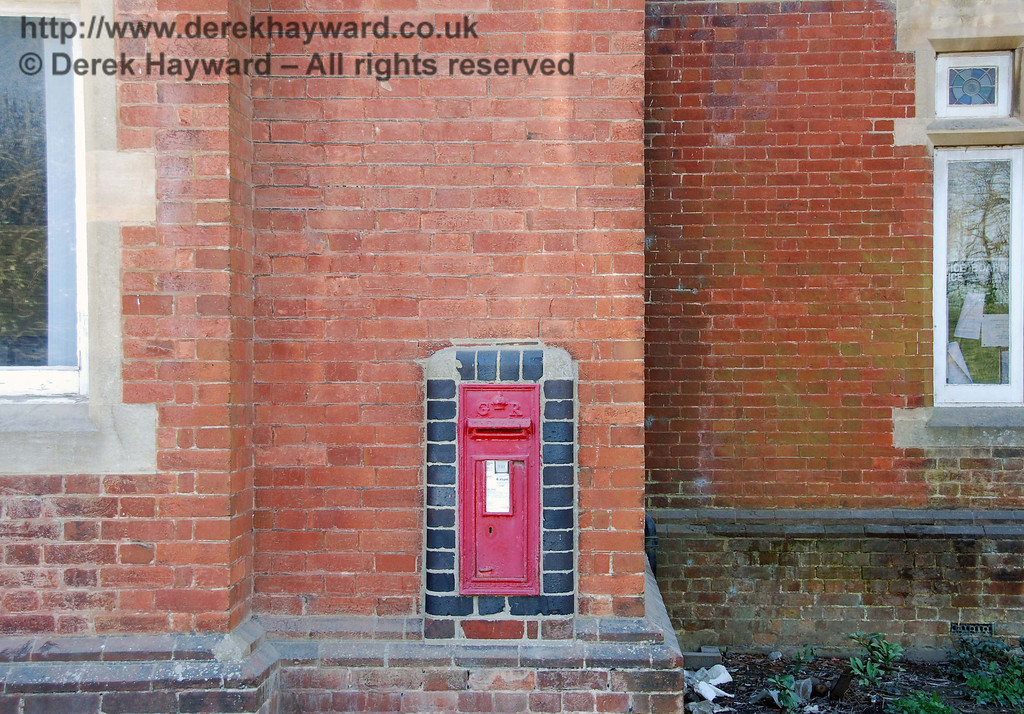 Ardingly Station still retains it's post box.