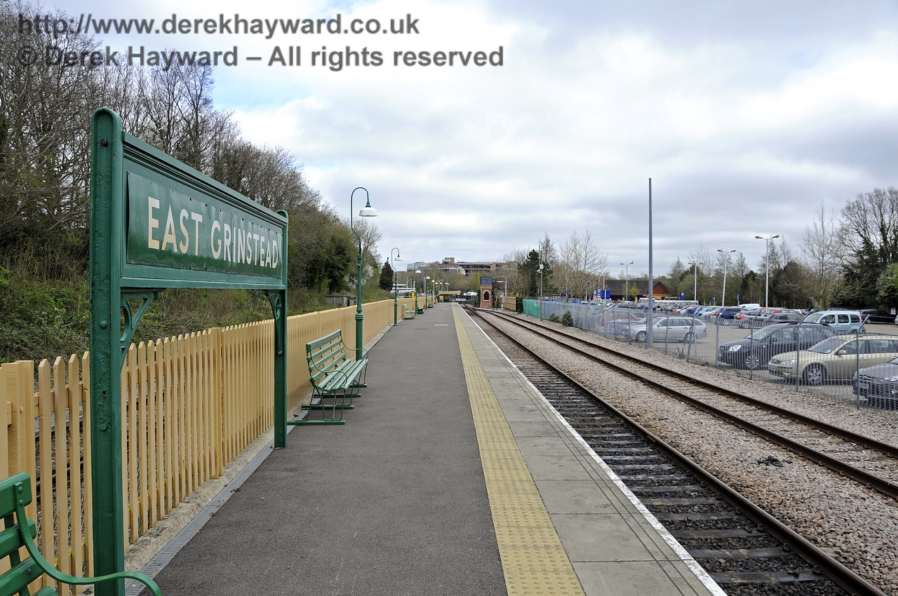 The station platform, looking north.  Bluebell Railway, East Grinstead Station.  05.04.2014  10218