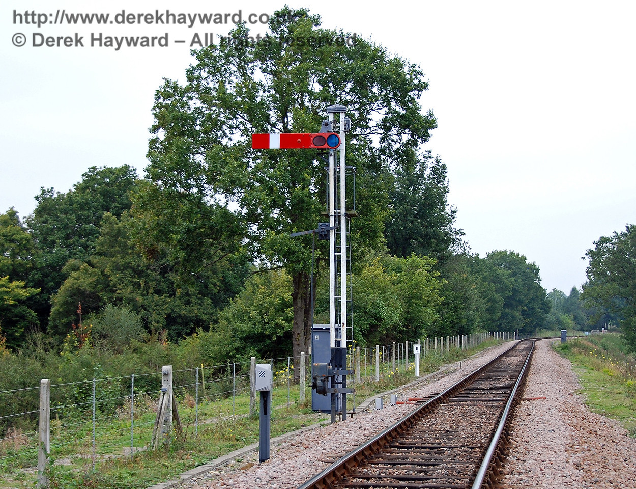 Another view of the second Horsted Keynes Advance Starter, with the public footpath on the left behind the fence. 08.09.2007