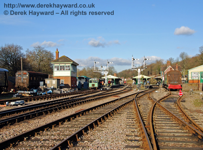 A 2010 view looking north towards Horsted Keynes Station, with the dock on the right out of use. 30.01.2010 153