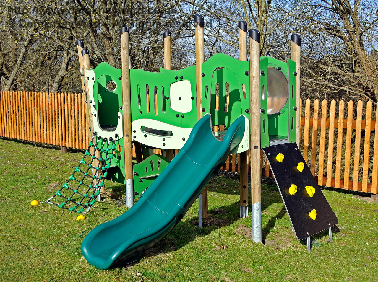 The new Play Area at Kingscote.  23.03.2018 18143