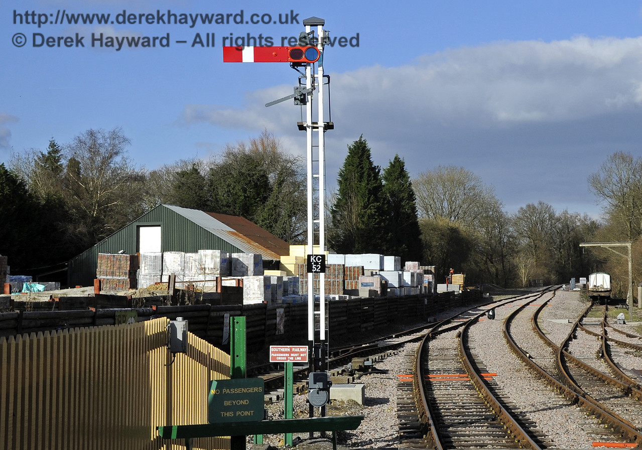 The starting signal (KC52) at the north end of Kingscote Station.  17.02.2013  6174