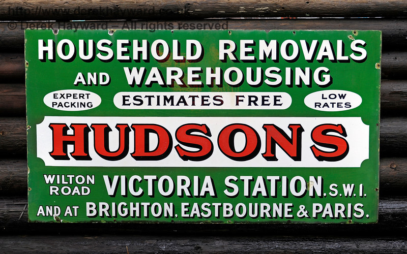 A senior member of the Bluebell Railway appears to be branching out into household removals.  24.01.2016 12630