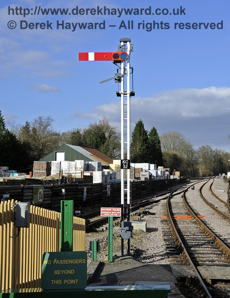 The starting signal (KC52) at the north end of Kingscote Station.  17.02.2013  6175