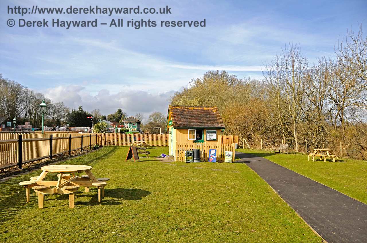 The approach to the new Play Area at Kingscote.  23.03.2018 18157