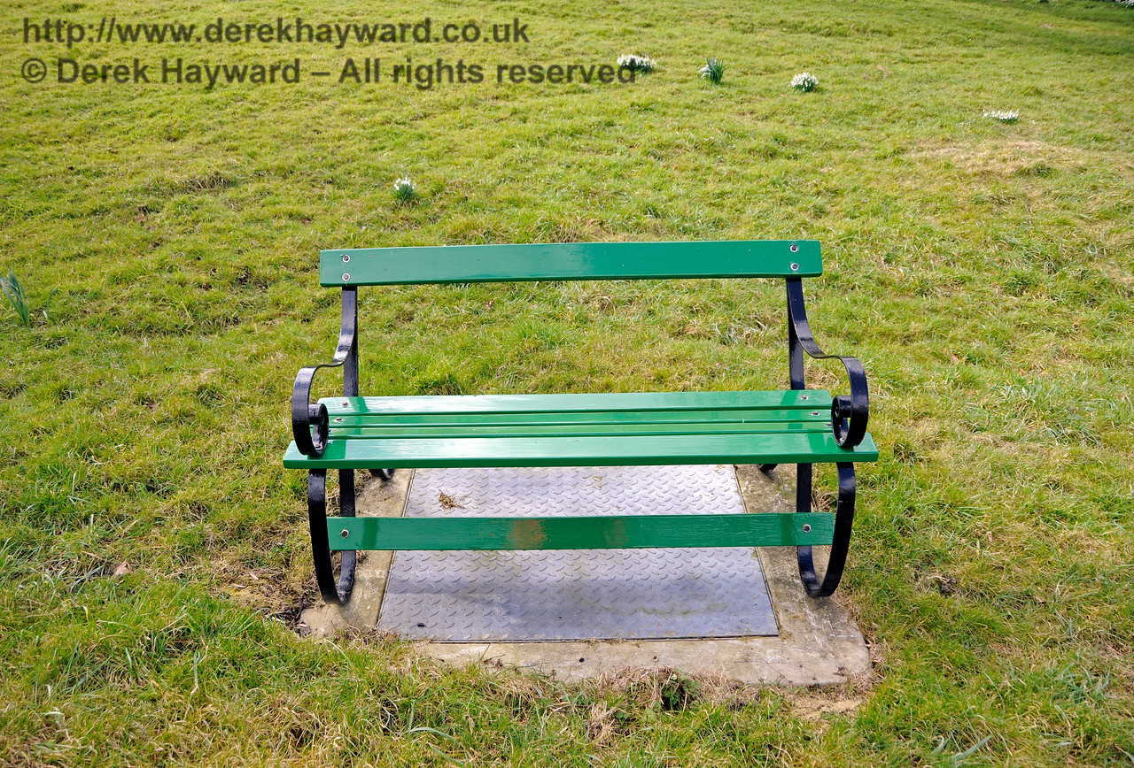 "In an unusually generous display of hospitality a new seat has been provided on the ""hump"" outside Kingscote, which will be of much benefit to photographers and others about the line.  28.02.2016  14553"