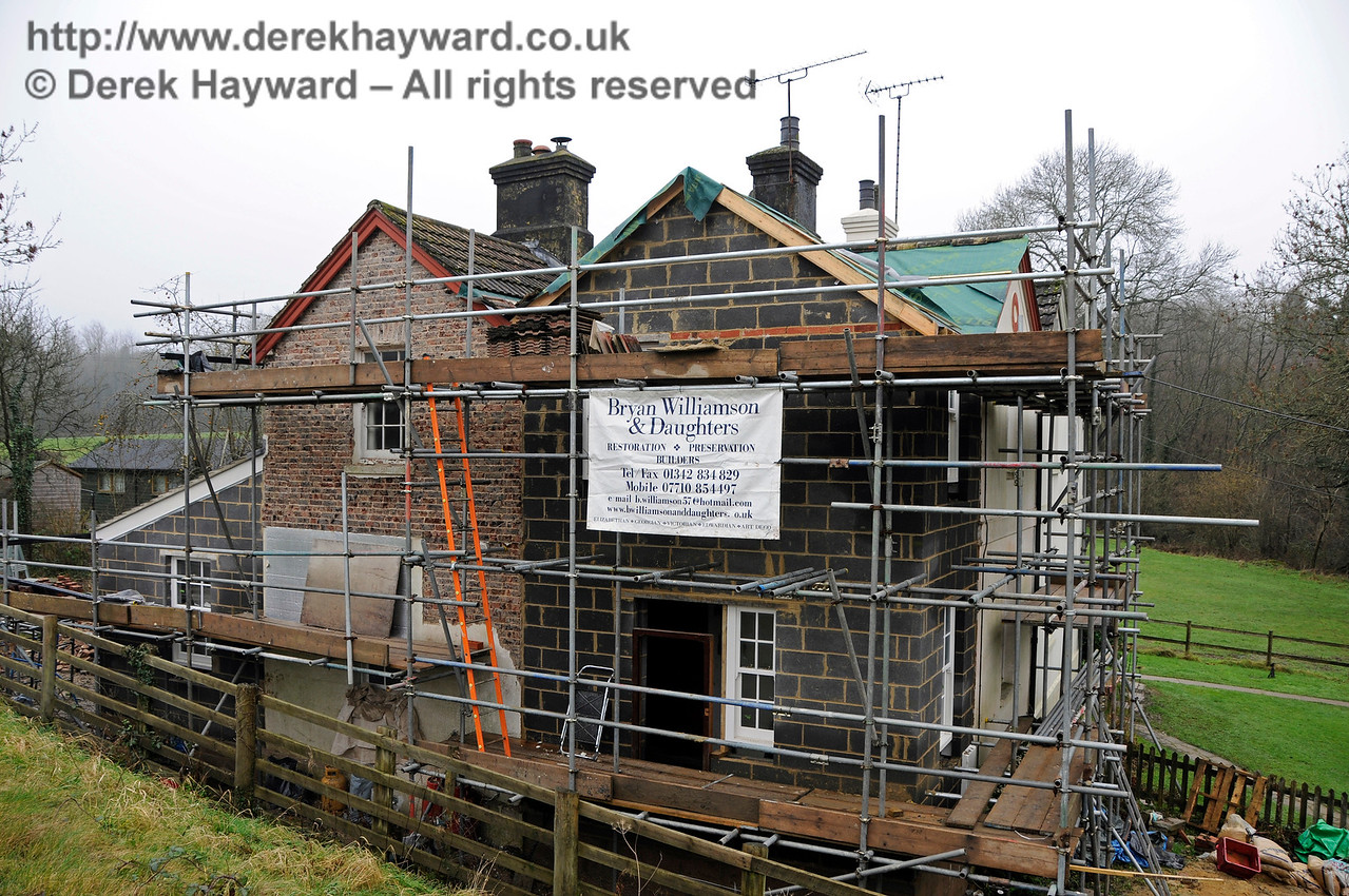 Progress on the extension to the former railway cottages at Kingscote.  24.01.2016  14481