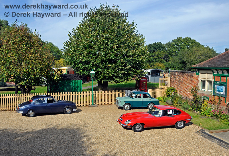 The forecourt of Kingscote Station seen from an unusual viewpoint. 24.09.2017 17970