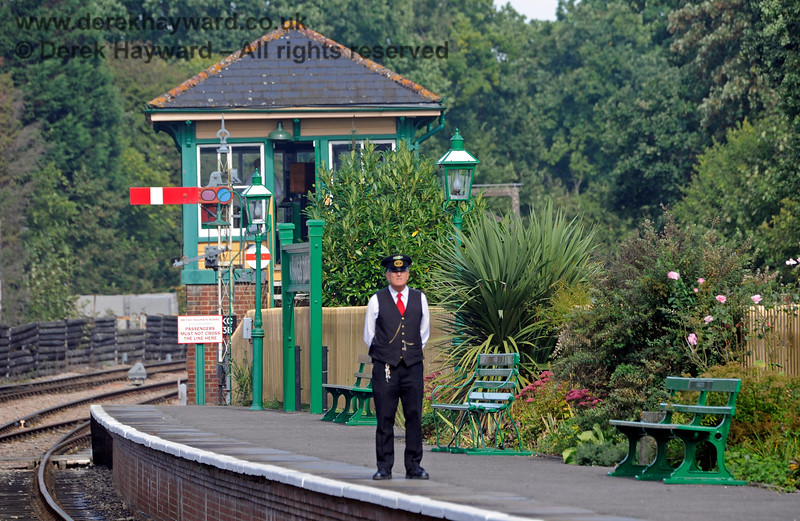 A porter stands vigil at the north end of Kingscote Station 24.09.2016 13946