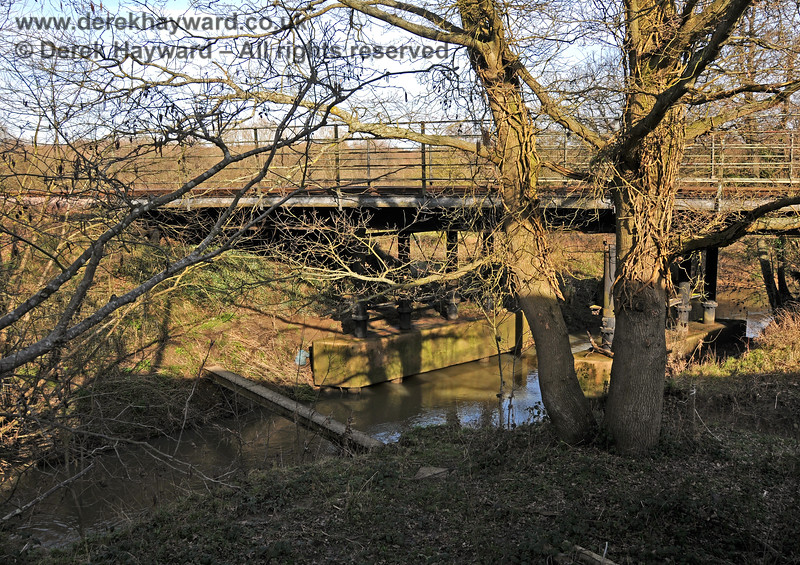 A somewhat clearer view of the River Ouse bridge can be obtained in the winter. 24.02.2011 6032