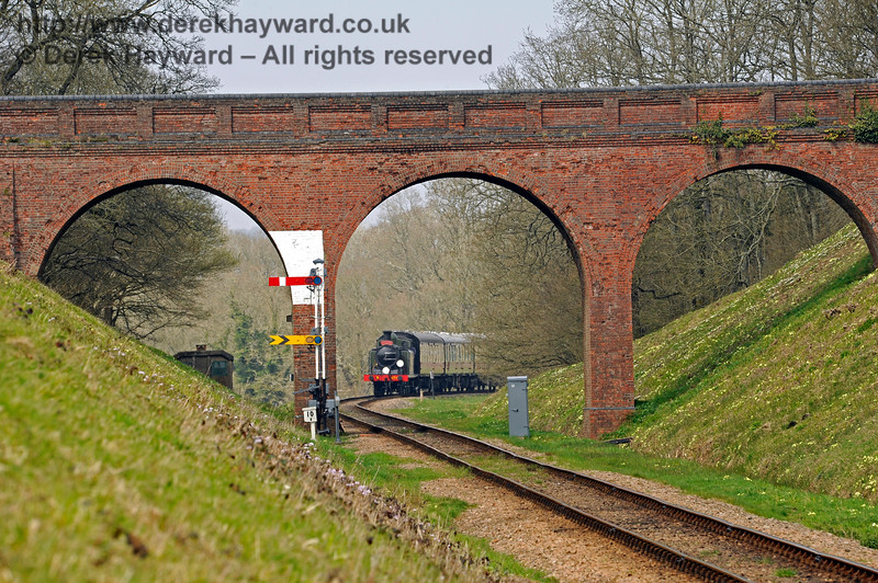 Three Arch Bridge, with B473 approaching on a southbound train. 10.04.2015 10680