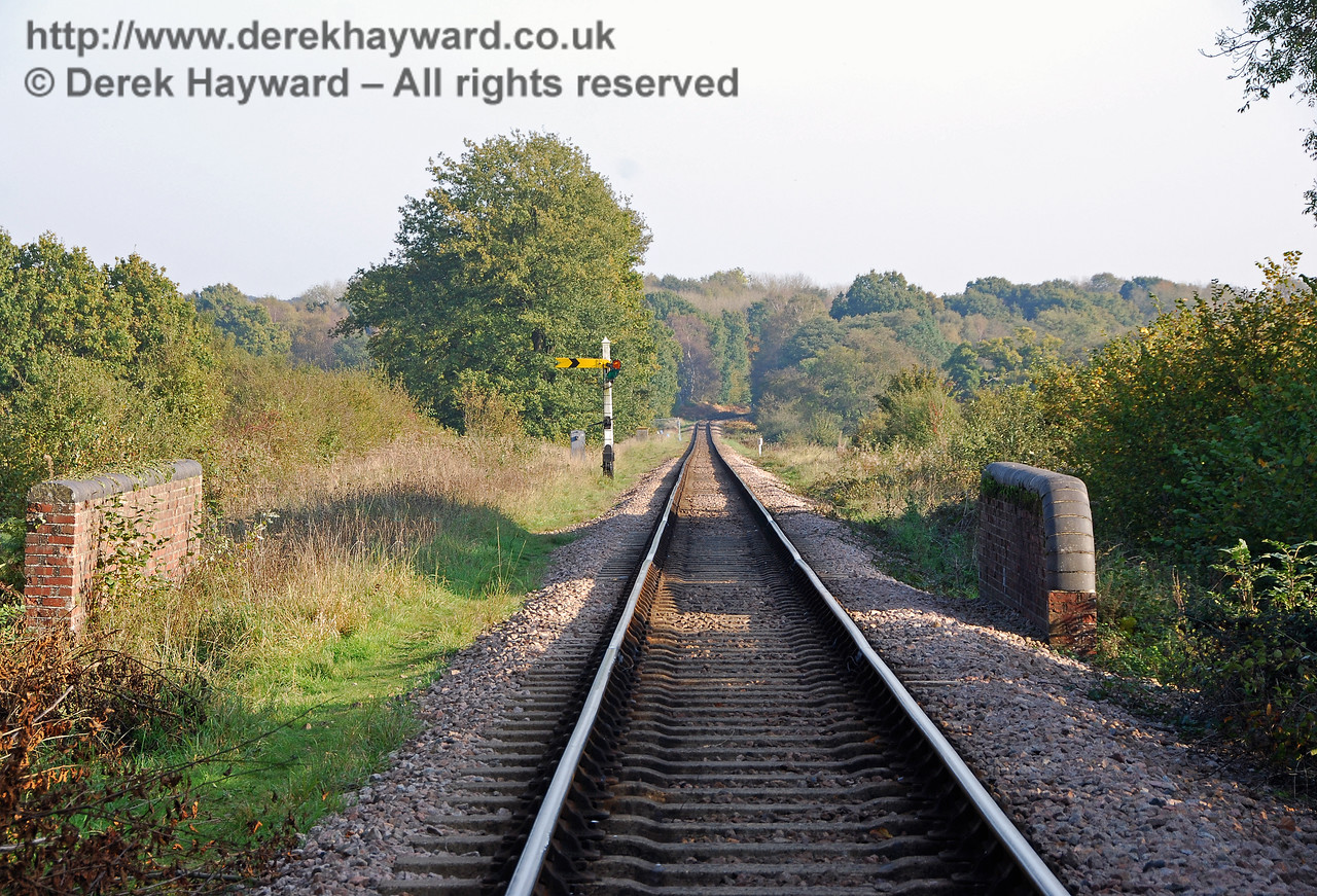 Looking south down Freshfield Bank from the top of Oakham Bridge. 21.10.2007