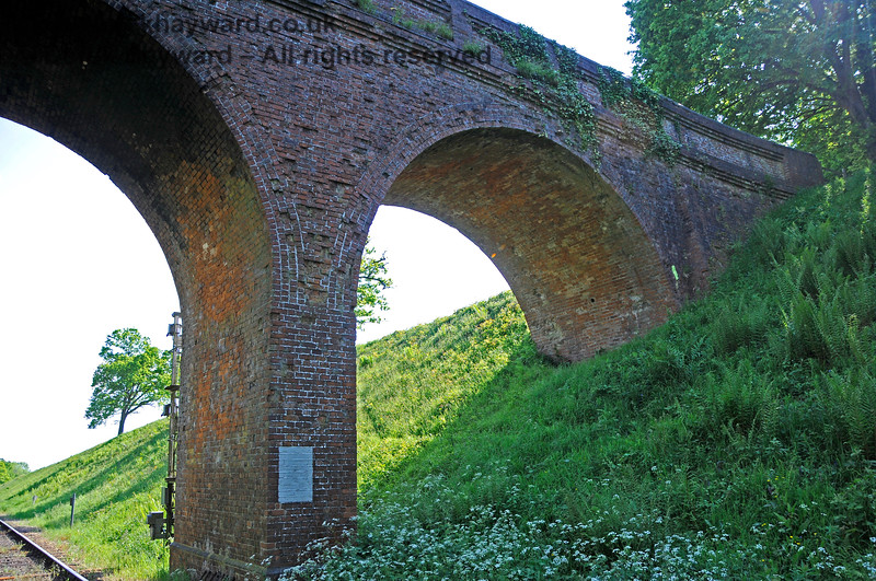 The northern side of Three Arch Bridge looking up towards the western side. 20.05.2018 18457