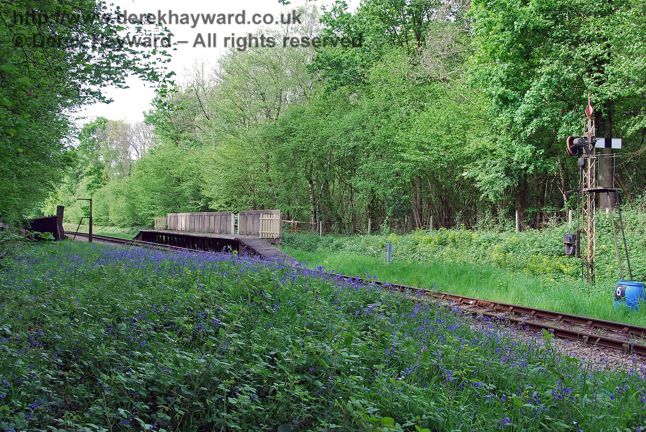 A slightly wider shot of the old halt, including the Sheffield Park Outer Home signal. 08.05.2007