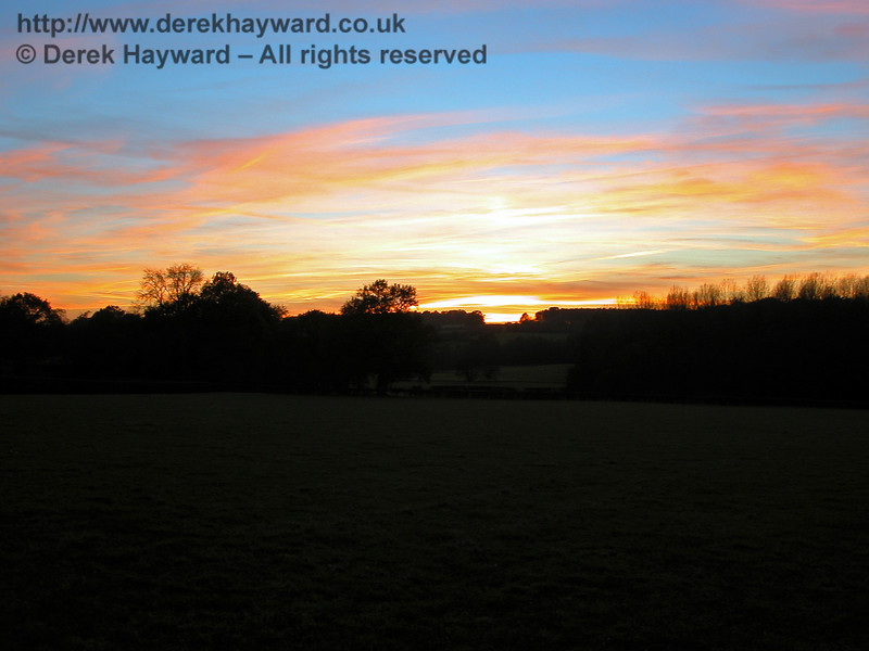 Sunset at Horsted Keynes, taken from the same field as the previous picture. 19.11.2005