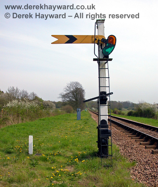 A closer view  of the Sheffield Park Distant signal. 04.05.2006