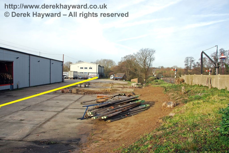 The northern part of the Woodpax site, looking north, with the approximate boundary of Bluebell land indicated by the yellow line. 01.12.2009.