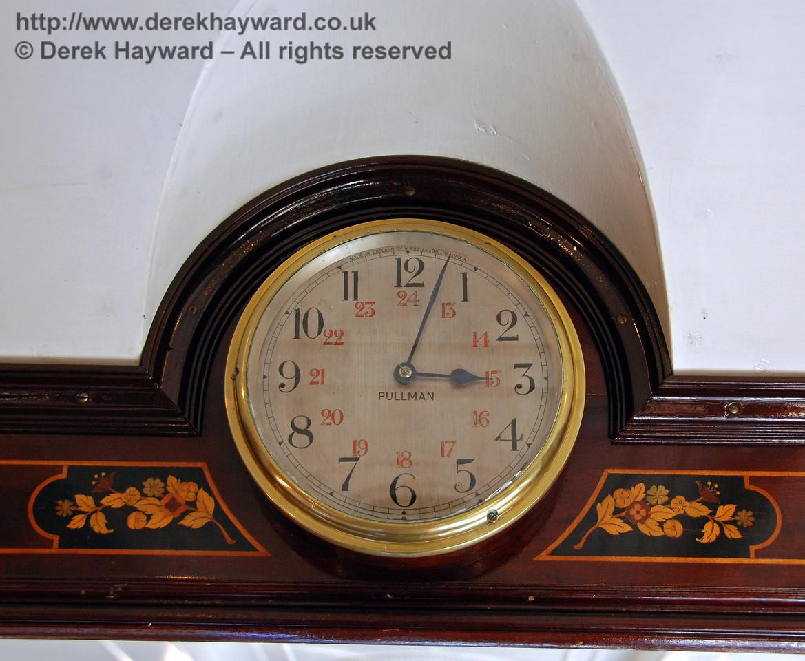 Even the clocks carry Pullman legends. 12.09.2009
