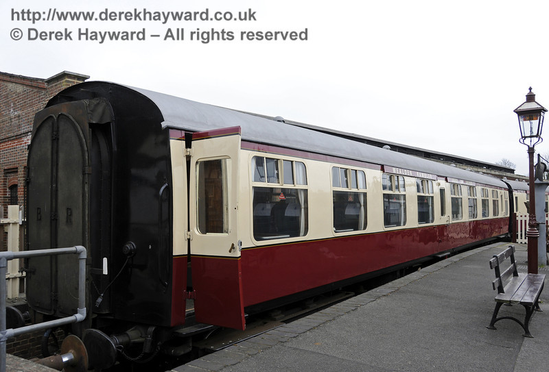 An exterior view of the Wealden Rambler Lounge Car Chelwood.  05.04.2014  10231