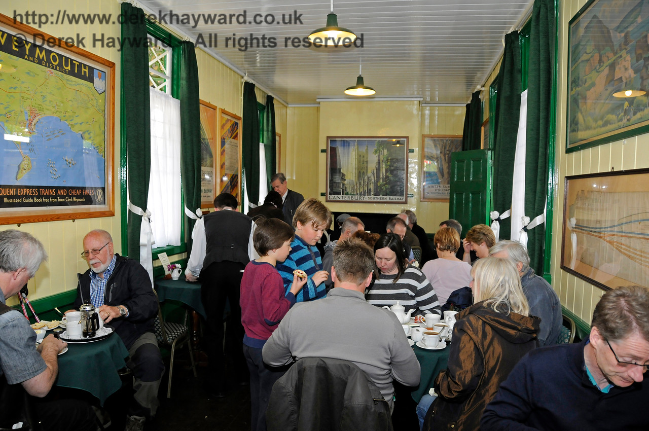 A tea room full to capacity.  Customers also filled the adjacent static Restaurant Car.  Southern at War, Horsted Keynes,  10.05.2015  12538