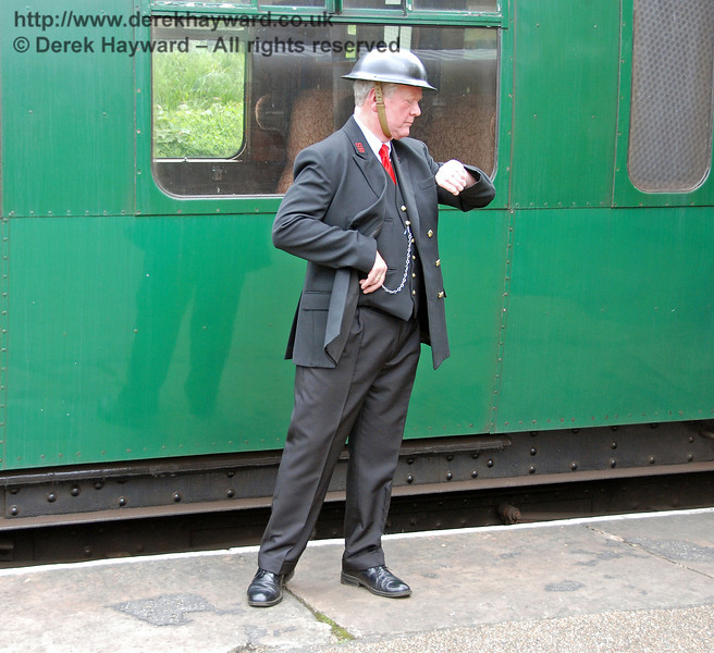 Time to go.  Horsted Keynes 12.05.2007