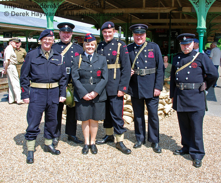 The wartime fire service pose for a picture at Horsted Keynes. 11.05.2008