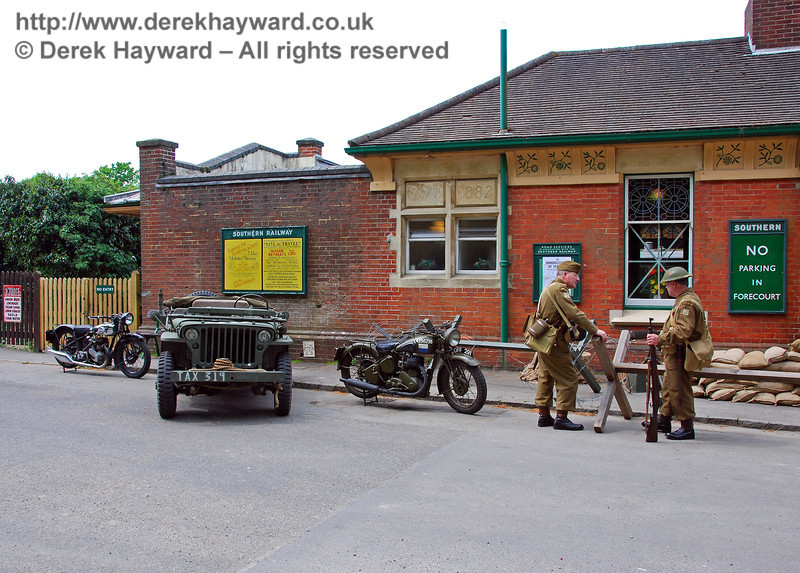 The forecourt of Horsted Keynes in wartime. 10.05.2008