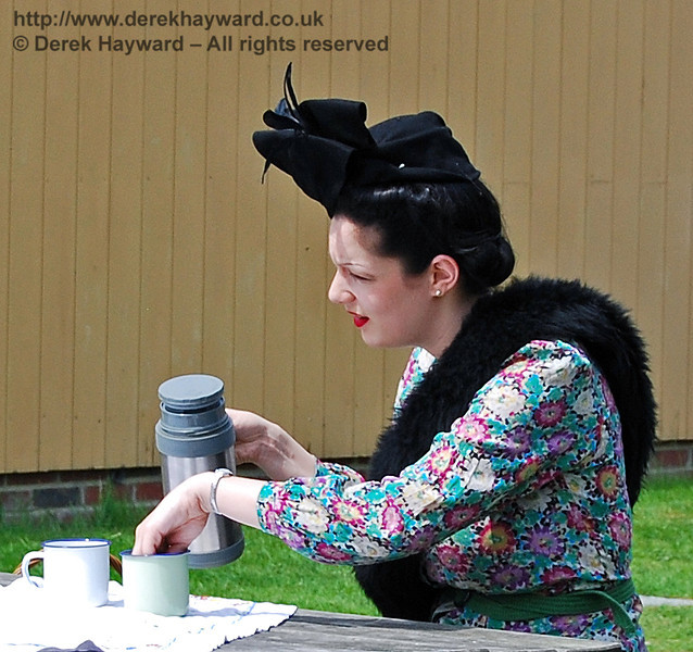 Even in wartime you just HAVE to pause for a cup of tea. Kingscote 10.05.2008