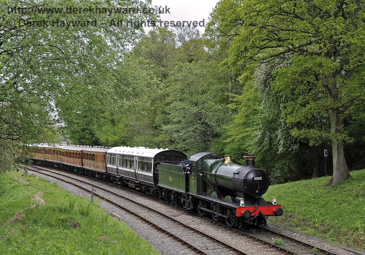 3205 approaches Leamland Bridge.  Southern at War, 12.05.2013  7031