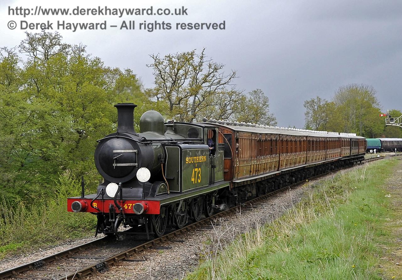 B473 steams south from Horsted Keynes.  Southern at War, 11.05.2013  6828