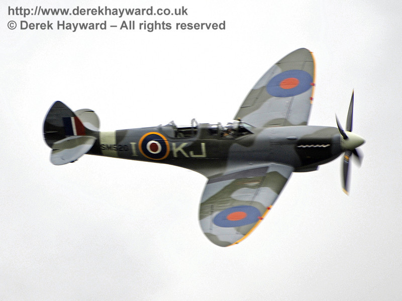 A Boultbee Flight Academy Spitfire provided the excellent display.  Southern at War, Horsted Keynes, 11.05.2013  8701