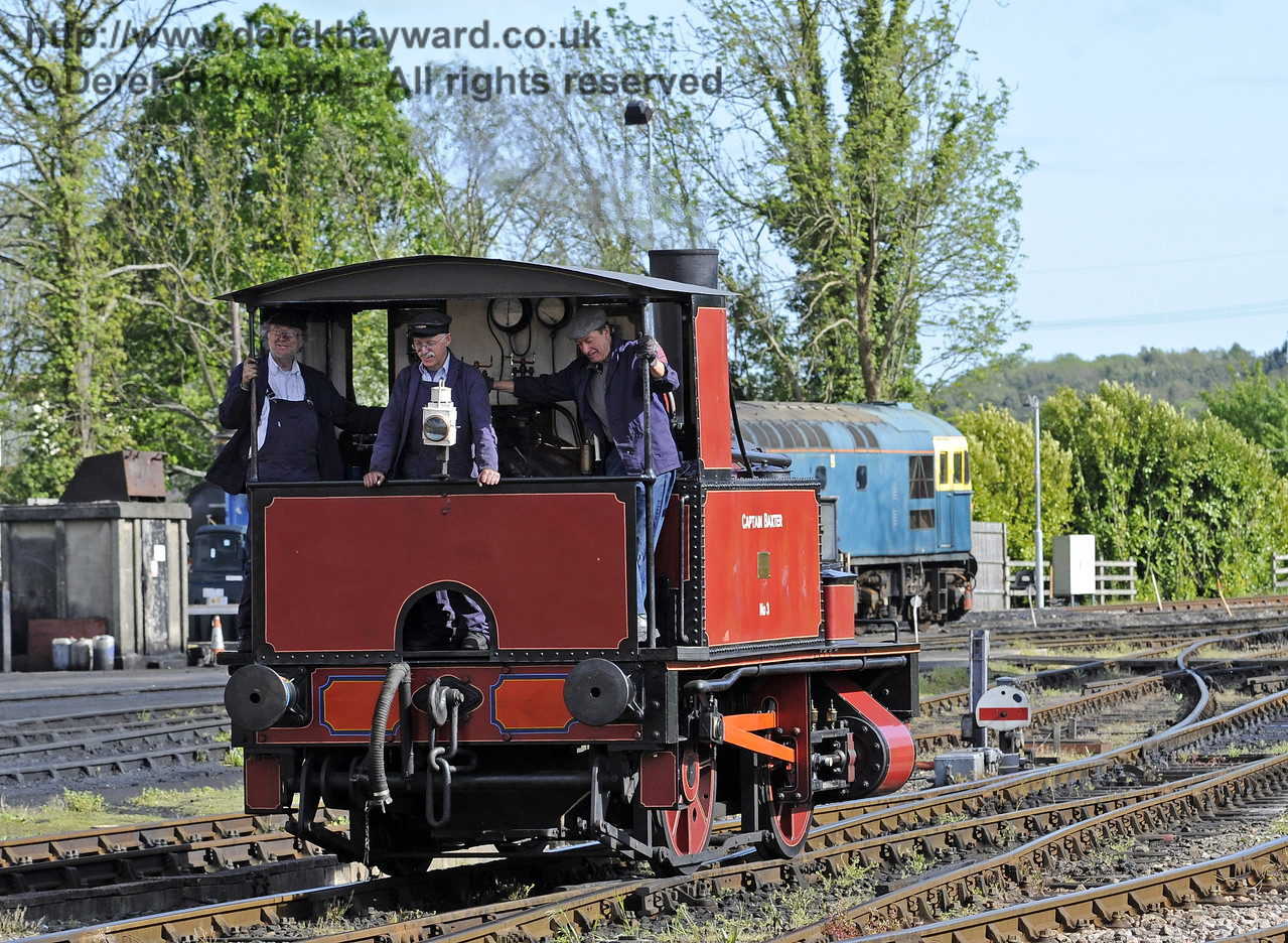 Called into service, Captain Baxter steams towards it's train.  Southern at War, Sheffield Park, 11.05.2014  9264