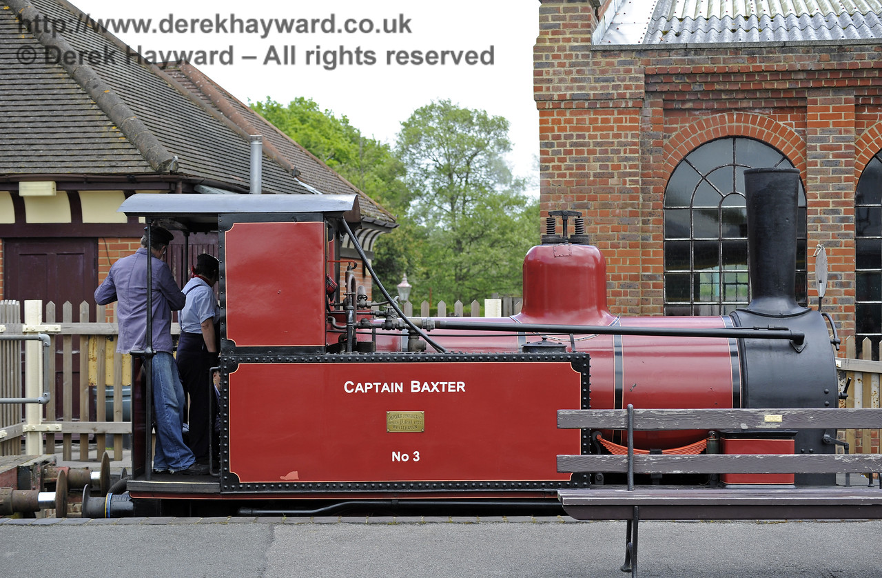 No.3 Captain Baxter was available for shunting and posing.  Southern at War, Sheffield Park, 10.05.2014  8922