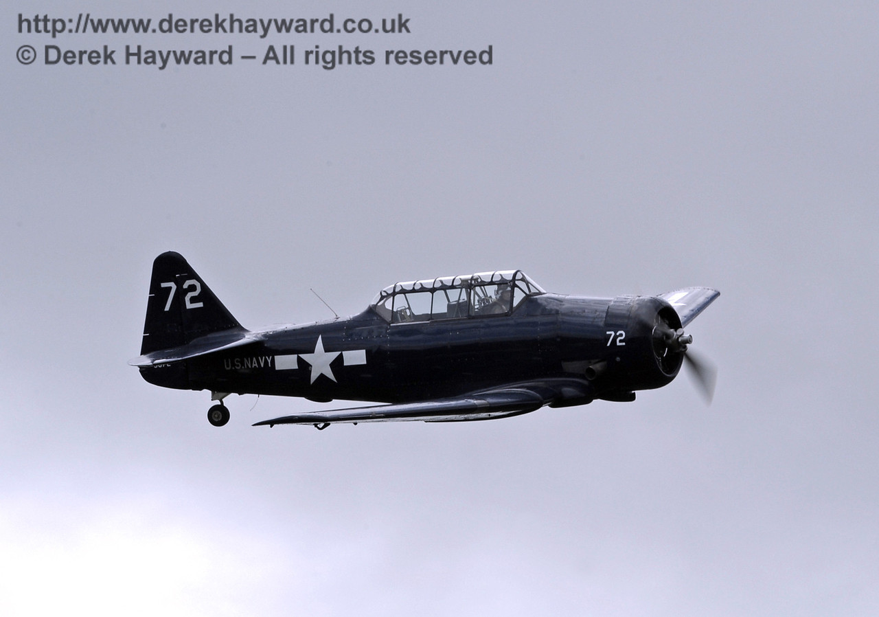 US Navy T-6 Harvard.  Southern at War, Horsted Keynes, 11.05.2014  9185
