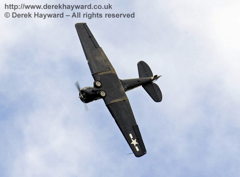 Seeing the world from a different angle.  US Navy T-6 Harvard.  Southern at War, Horsted Keynes, 11.05.2014  9171
