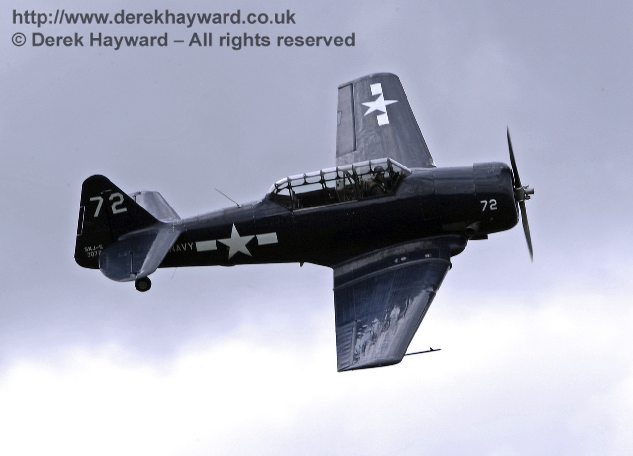 US Navy T-6 Harvard.  Southern at War, Horsted Keynes, 11.05.2014  9187