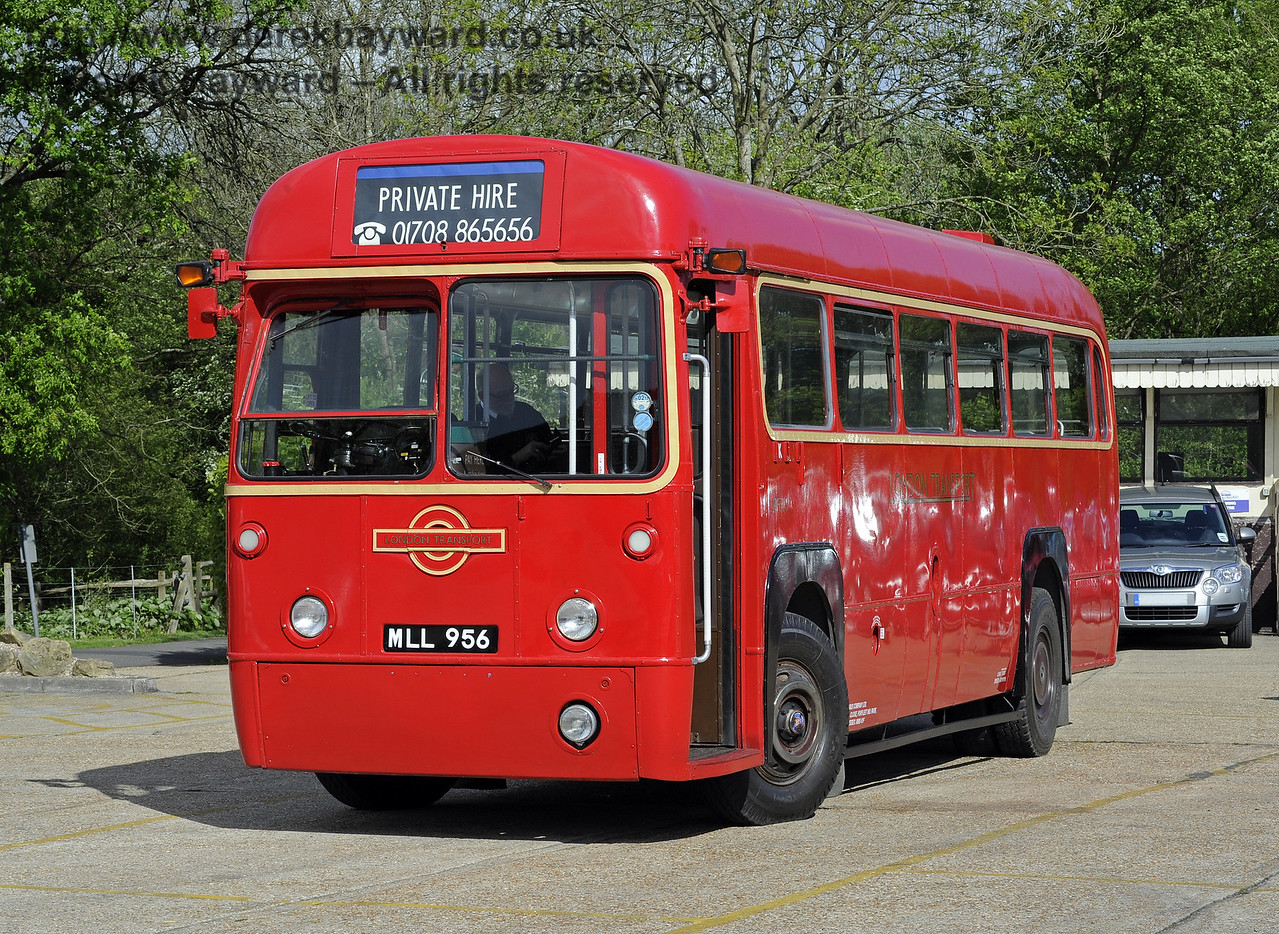 RF319 was visiting on private hire.  Southern at War, Sheffield Park, 11.05.2014  9253